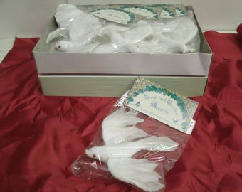 "Lot of 12 Flying White DOVE Feather Bird Christmas wedding decor: 5"" boxed"