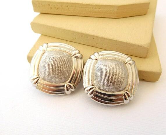Vintage Silver Tone Mesh Look Modernist Dome Clip On Earrings EE43