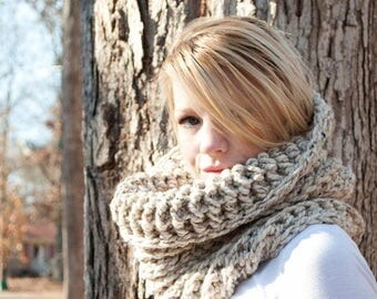 FLASH SALE The Chunky Cowl Neckwarmer  Scarf - Natural - Wool Blend