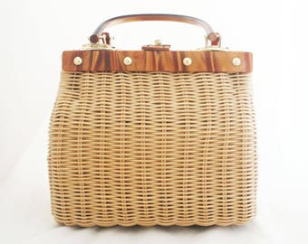 Wicker Purse - Box Straw Square Summer Purse with faux lucite handles Simon by Mister Ernest