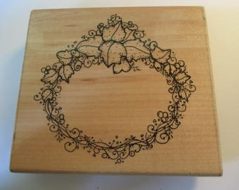 "DOTS Rubber Stamp ""Ivy Wreath""  stamp For cards and scrapbooking  slightly used good condition"