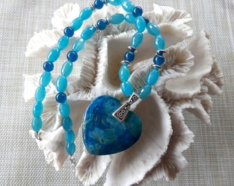 20 Inch Shades of Blue Lace Agate Heart Necklace with Earrings