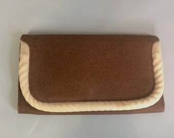 Early wartime 1940s brown felt clutch bag / brown 1940s clutch bag