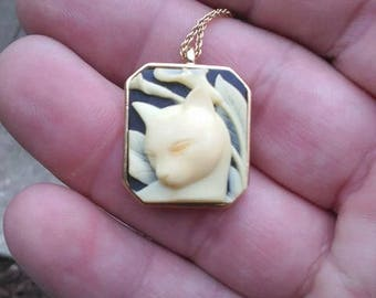 Cat Cameo Pendant on Rope Chain