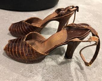 1940s leather Saks Fifth Avenue heels