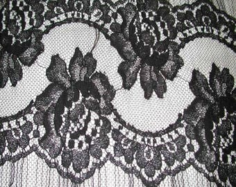 """No. 300 Black Chantilly French Lace; 6"""" x 4.5 Yards Edging Lace"""