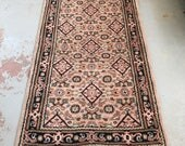 """SHIPS FREE! Vintage Persian Area Rug - 5'8"""" x 3'1"""""""