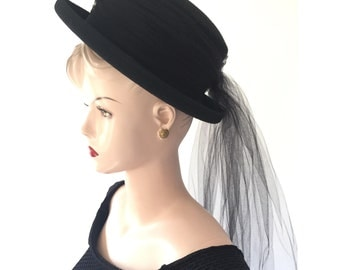 90s black hat with veil