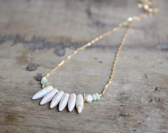 Spike necklace, Boho stone necklace, Beach necklace, Summer necklace, White stone necklace,Tribal spike necklace, white green stone necklace