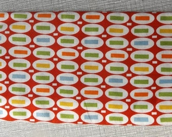 """DESTASH Fabric Peas and Carrots for American Jane by Sandy Klop Pattern 21064 Nearly 18-1/2 by 21-1/2"""" Bright Red Background Pez"""