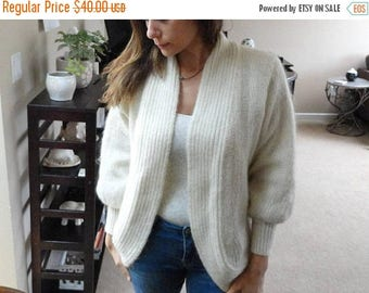 SALE Cream Knit Cardigan Sweater - Metallic thread - Oversized - Vintage M L