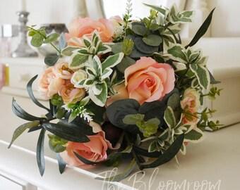 Bridesmaid bouquet, Pink bouquet, Rose bouquet, Lush bouquet,  Bouquet wedding, Wedding flowers, Wedding bouquet, Spring wedding, Kalli BM