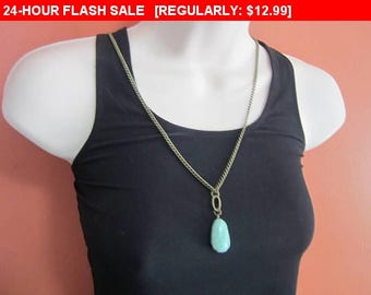 Vintage green pendant necklace, hippie, boho