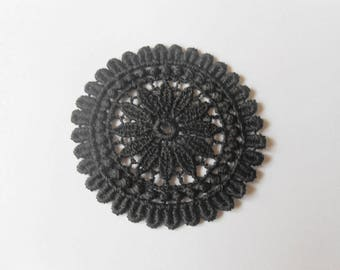 Black round Medallion lace 5 cm in diameter