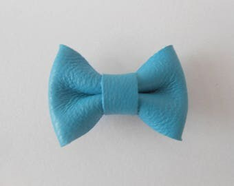 Mini 2 x 3 cm french blue leather bow