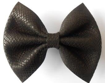 Maxi black leather bow barrette