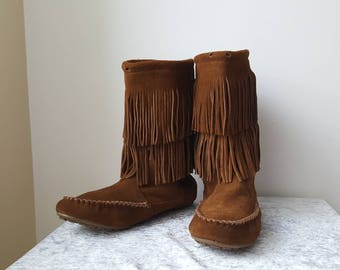 MINNETONKA BOOTS us Size 11 eu 43 uk 8.5 two Layers Boho Boots Bohemian Fringe Boots in Good Condition