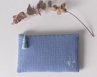 Pochette molletonnée en gaze de coton bleu et étoile en Liberty Small Susanna