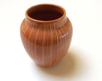 Mid Century Modern Vase, Signed Herta Pottery, B C Ceramics Vase, Canadian Art Pottery, Mint Condition, 1950s