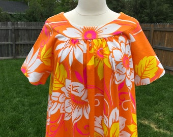 1960's Bright Orange Floral Hawaiian Dress (medium)