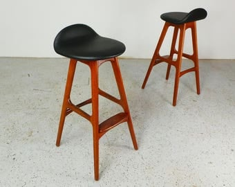 beautiful pair mid century Danish modern authentic Erik Buck OD Mobler teak & leatherette bars stools