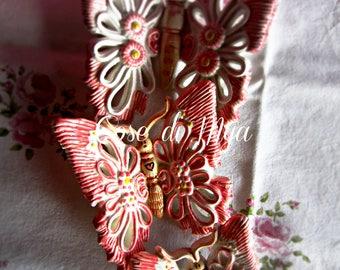 Trio di Farfalle in ceramica realizzate e decorate a mano