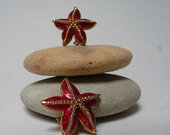 Delightful Vintage clipons/earrings Sea stars gold tone and enamel