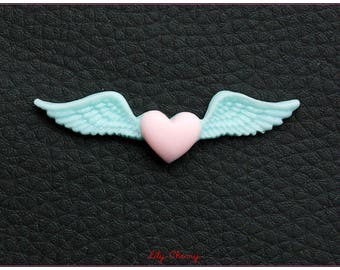 Cabochon resin winged heart seagreen and pink x 1