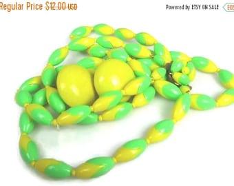 Sale Green Yellow Plastic Necklace Earrings Set Demi Parure