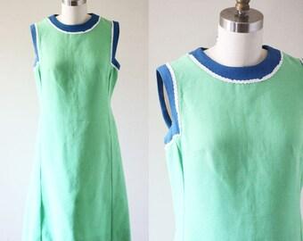 1960s green linen shift dress // Irish linen dress // vintage dress