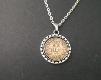 Canada Copper Colored Coin Necklace in Pendant Tray- Canada  1928 Coin Pendant with Chain