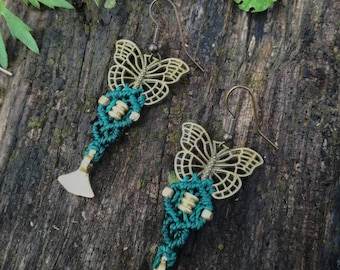 Bohemian green macrame butterfly earrings. Handmade macrame jewerly by Bella Marietta