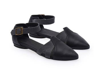 Vivian leather black & grey flat sandals with a side buckle