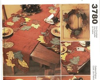 Harvest Decorations Pattern, Home Decor McCalls 3780 UNCUT Sewing Pattern, Leaves Gravevine wreath, cloth napkin, tablerunner CentennialHaus