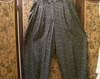 Pleated Front Black Pants With Cream Colored Flowers -Size L - Red Dirt Girl - 357