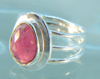Checker Faceted Ruby Silver Size 7 Ring SR503