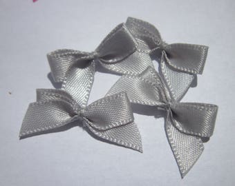 4 nodes in satin 20 to 21 mm approx - stitched fabric - (A282)