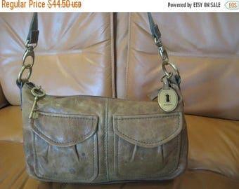20% SUMMER SALE Genuine vintage FOSSIL green leather shoulder bag distressed