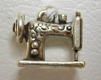 1 pendant Charm metal Sewing Machine Charm