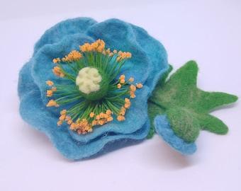 Brooch beautiful poppy blue Handmade