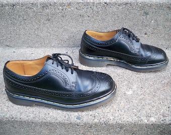 Vintage Doc Dr. Martens 3989 Made in ENGLAND Men's Black Leather Wingtip Wingtips Shoes Size 8 medium US 7 UK