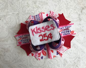 Kisses 25Cents Bow
