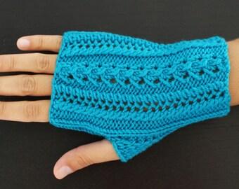 Fingerless mittens in 100% pure Merino turquoise