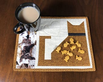 Quilted Snack Mat, Cat Theme Mug Rug, Mini Placemat, Handmade Luncheon Mat, Mini Quilt, Quilted Mugrug, Gift for Cat Lover, Mouse Pad