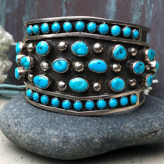 Exquisite unisex heavy Kingman turquoise and sterling cuff bracelet