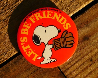 Vintage 70s Snoopy Let's Be Friends Pinback Button