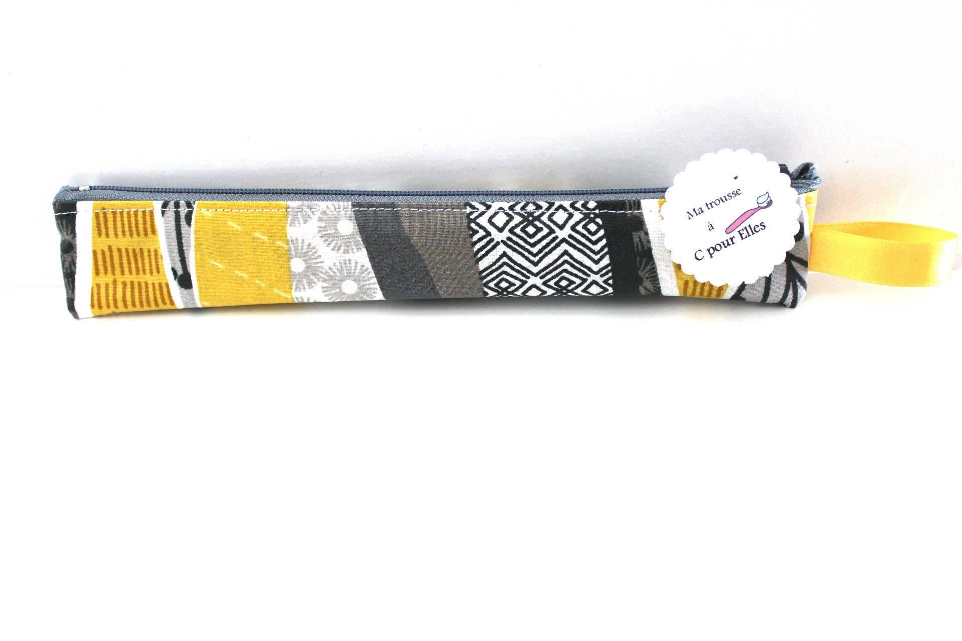 trousse brosse dents ou tui cigarette lectronique jaune. Black Bedroom Furniture Sets. Home Design Ideas
