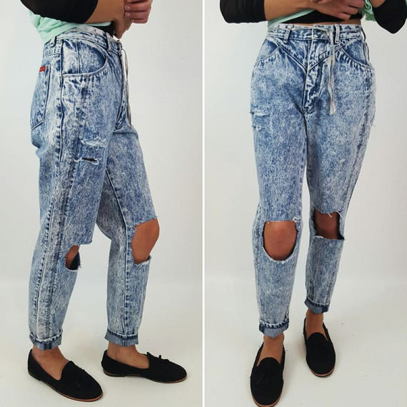 Size 2 4 XS Small High Waist 90's Light Wash Shredded Jeans - Blue Jean Denim - Highwaisted Mom Ripped Knee Holey Grunge Acid Wash Pants