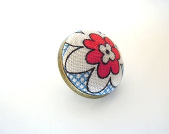 "Pin "" Graphic vintage red flower """