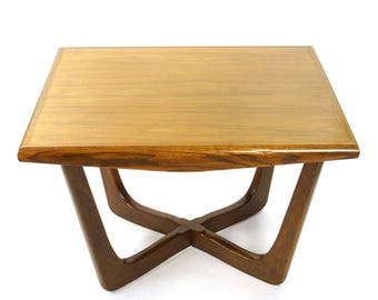 Great Mid Century Kroehler End Table / Vintage 1960s Solid Wood Rectangular End  Table / MCM Danish